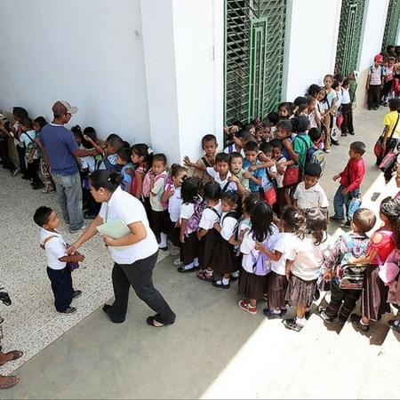 entrada centro infantil acoes